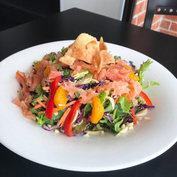 1200_salade_saumon